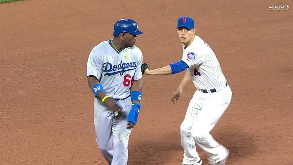 Mets double off Puig