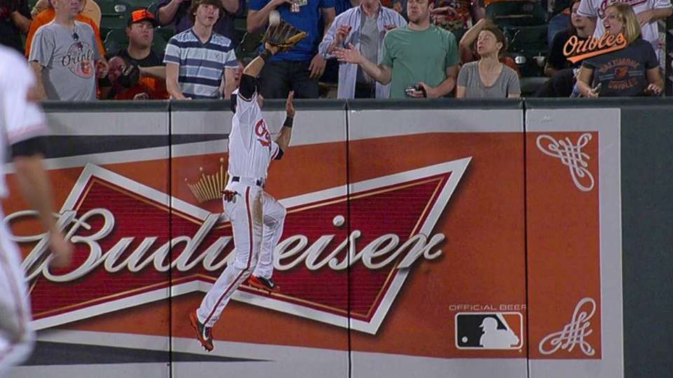 Lough's home run-robbing catch