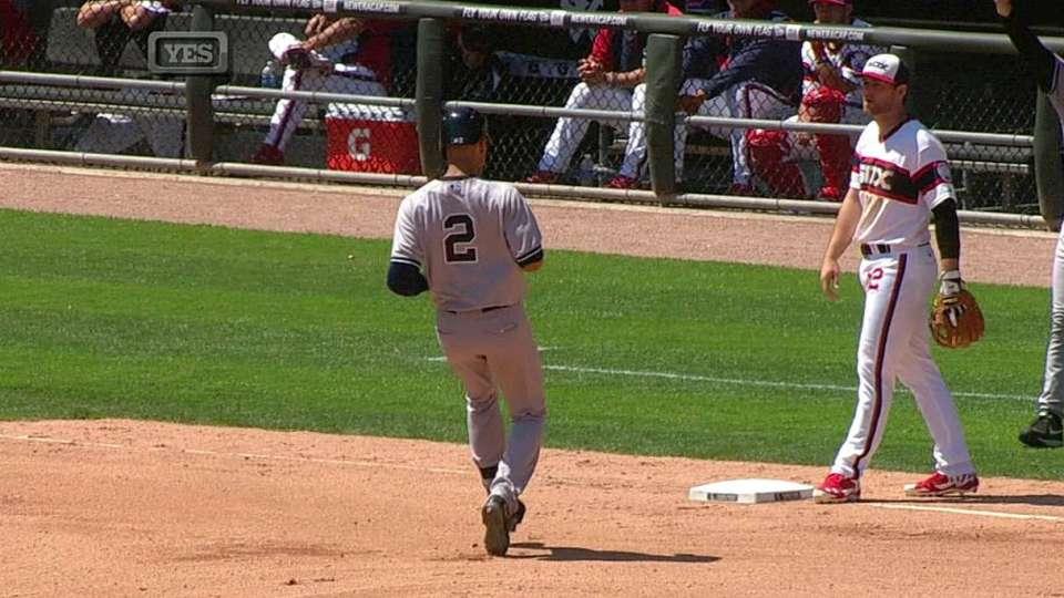 Jeter triples, gets ovation