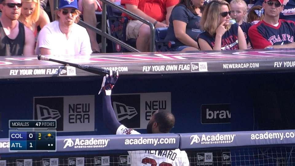 Heyward gives bat to lucky fan