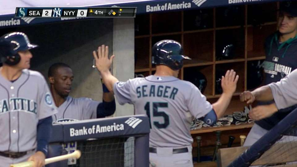 Ackley's RBI fielder's choice
