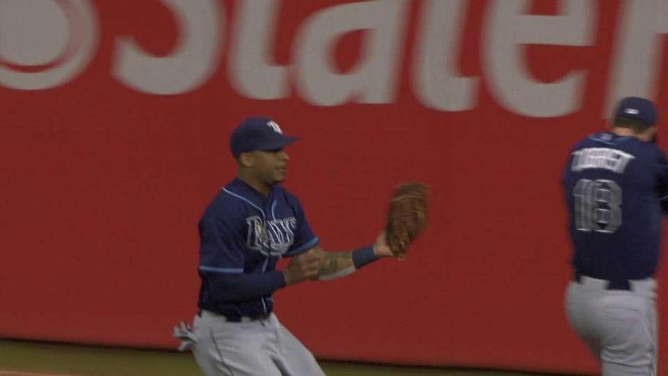 Jennings' running grab