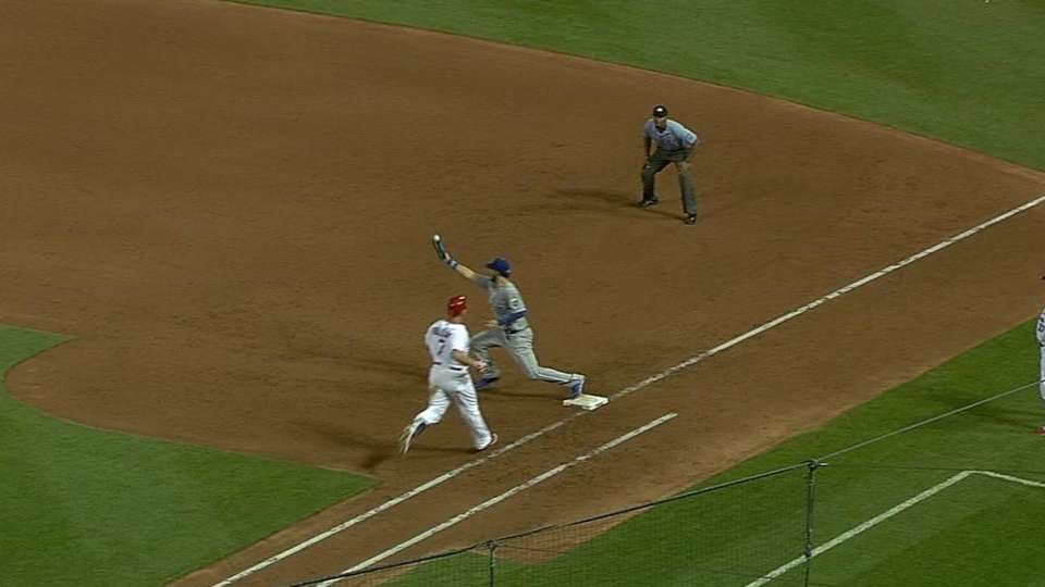 Royals' outstanding double play