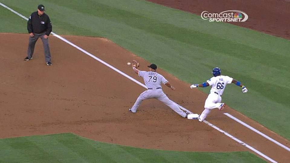 Beckham's nice play at second