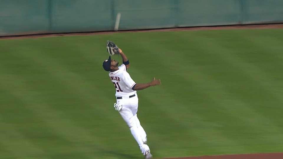 Fowler's running catch