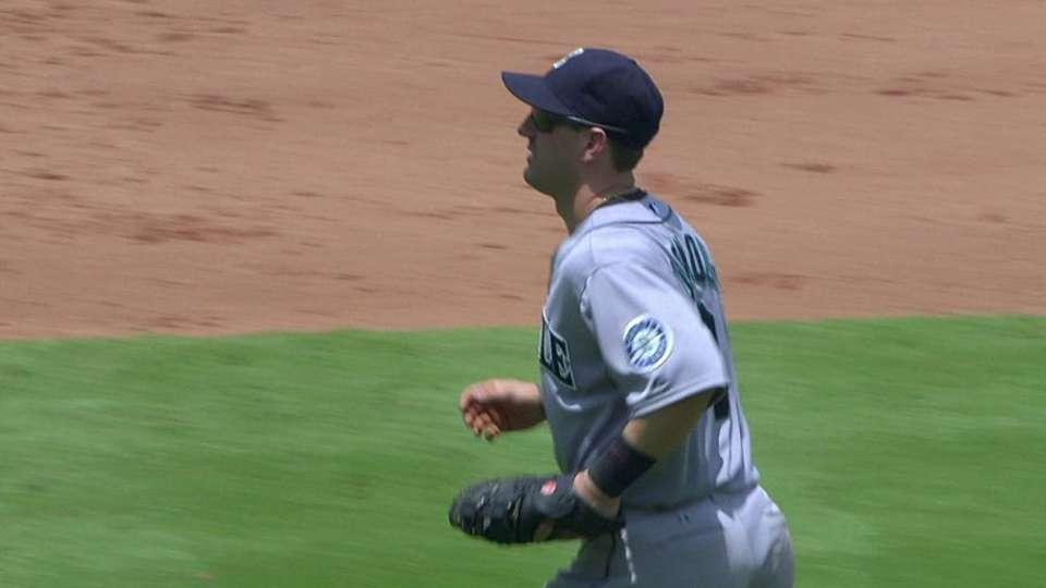 Bloomquist's inning-ending snag