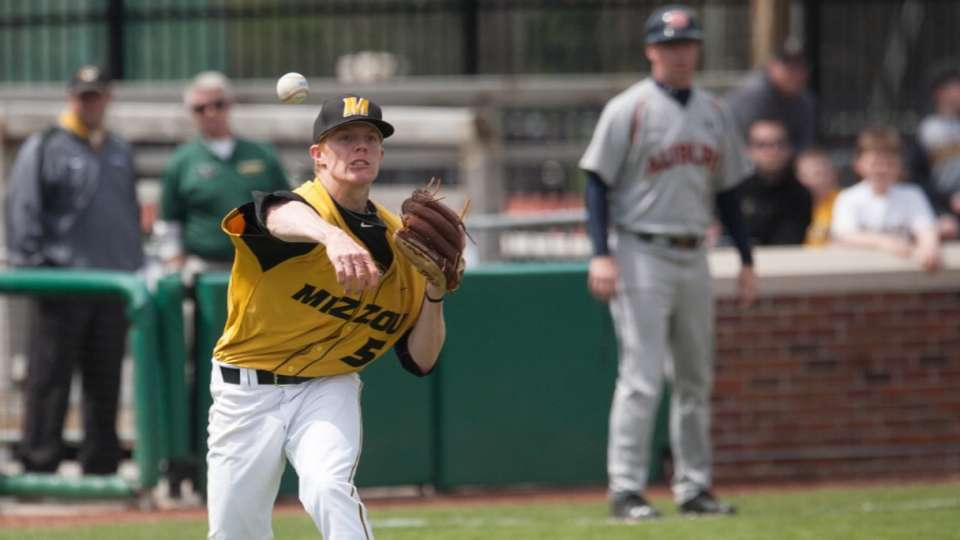 A's draft RHP Graves No. 101