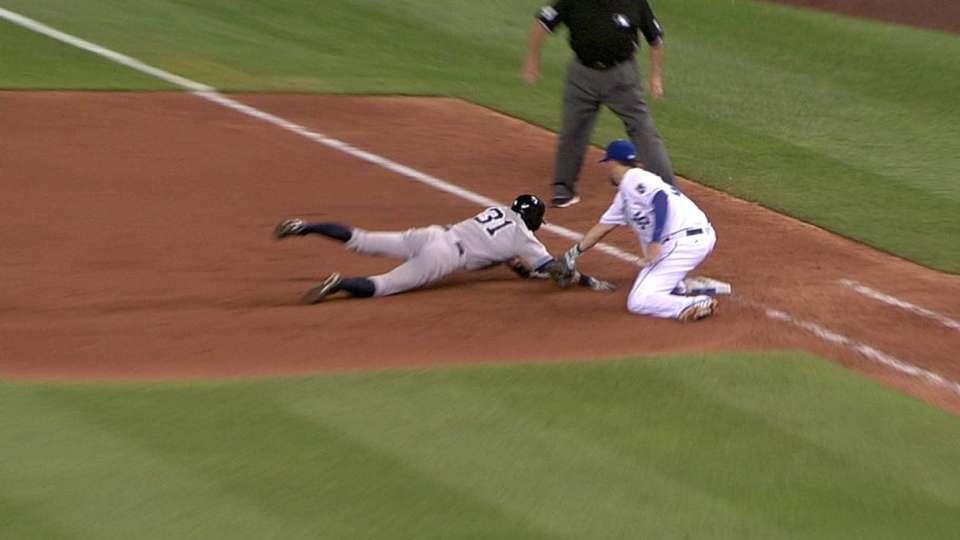 Rodriguez picks off Ichiro