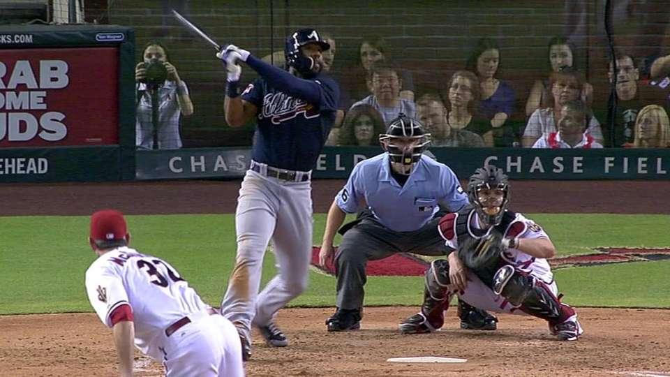Heyward's two-run homer