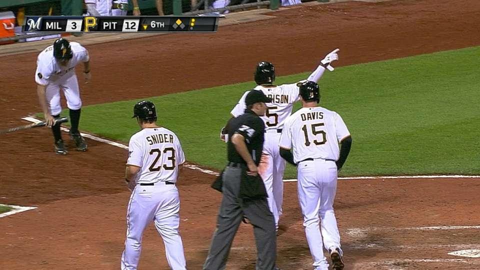 Pirates' huge 6th inning