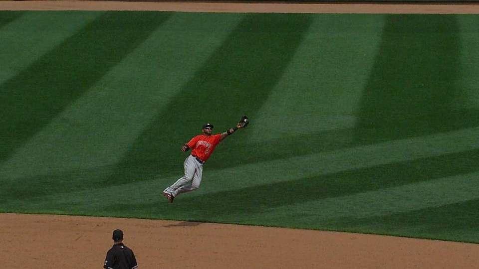 Villar's athletic catch