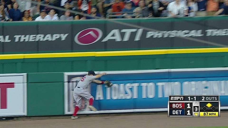 Holt's running catch
