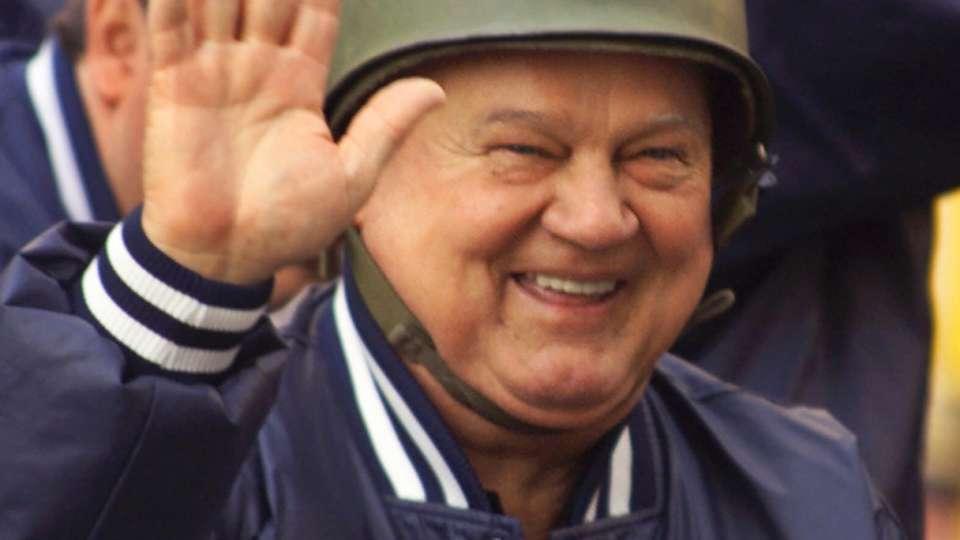 Don Zimmer honored across MLB