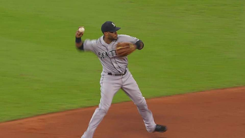 Cano's backhanded stop