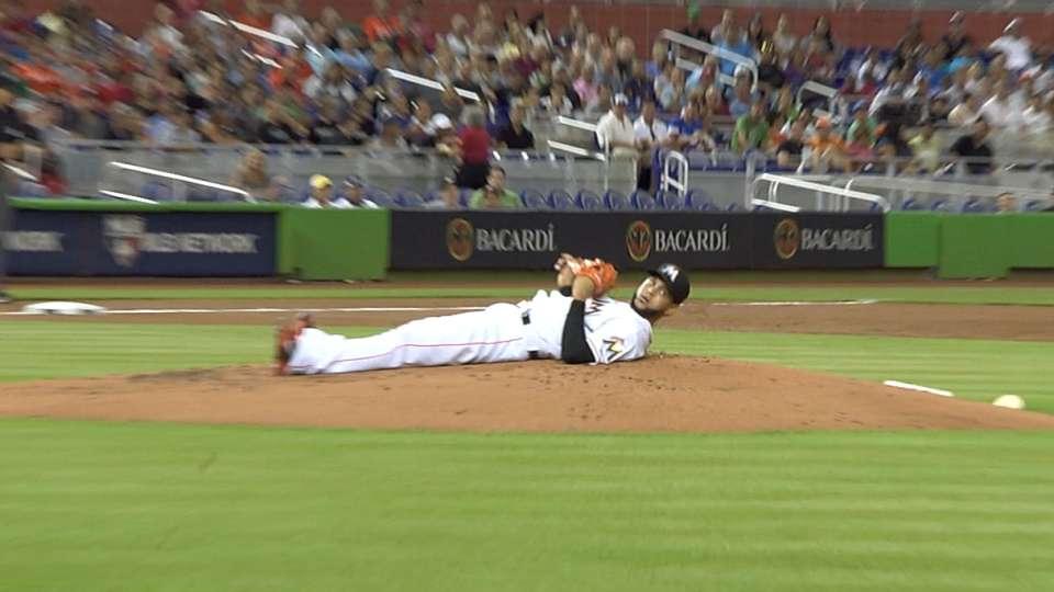 Alvarez avoids broken bat