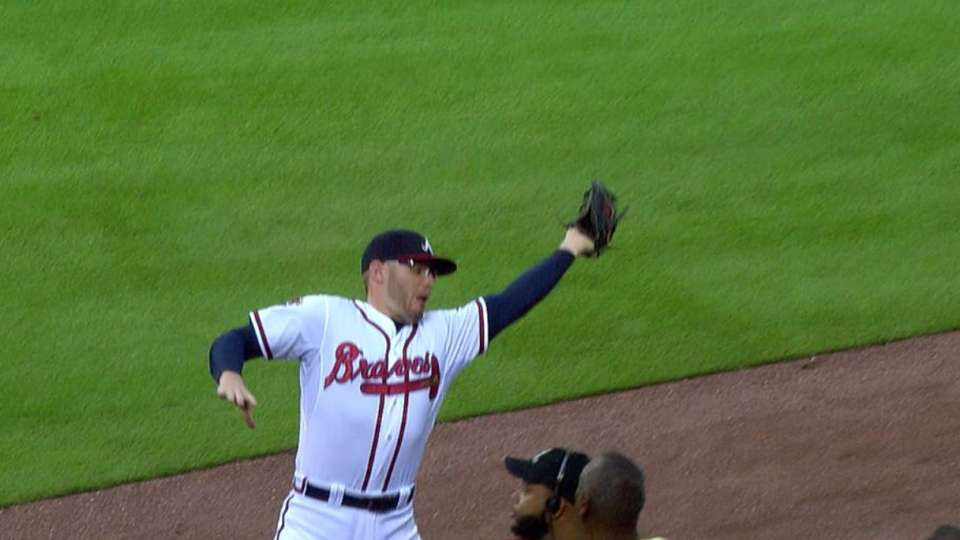 Freeman loses ball, recovers