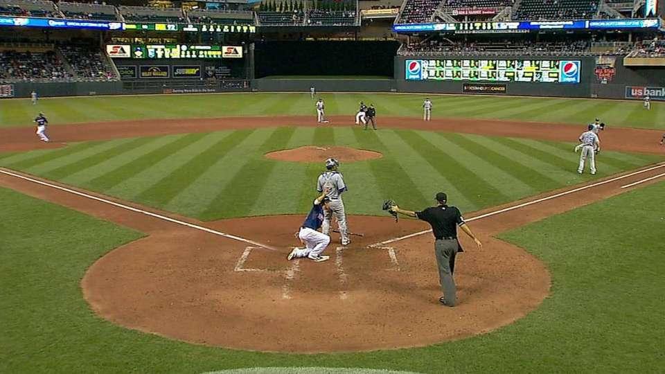 Nunez's RBI infield single