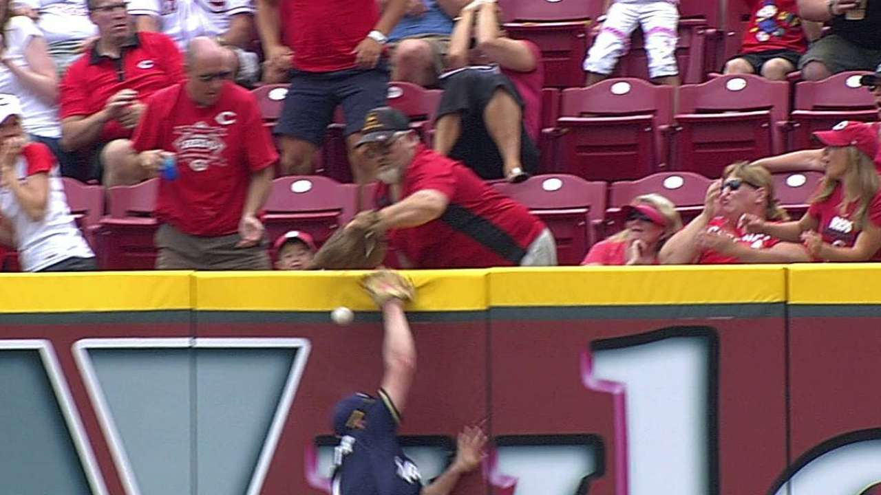 Umpires Overturn Homer After Fan Interference Extra Suzuki Carry