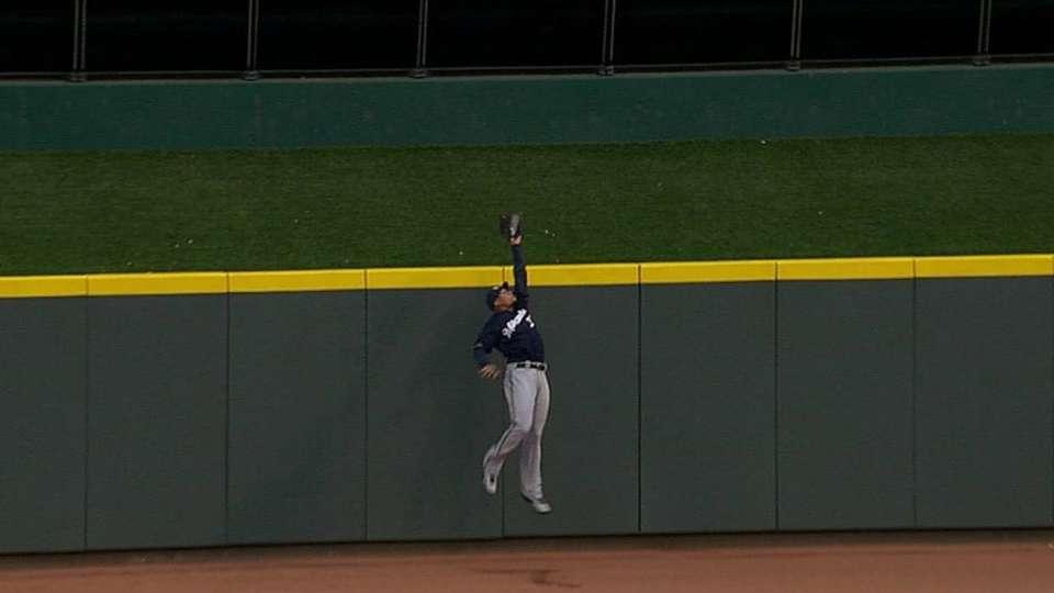 Gomez's leaping catch