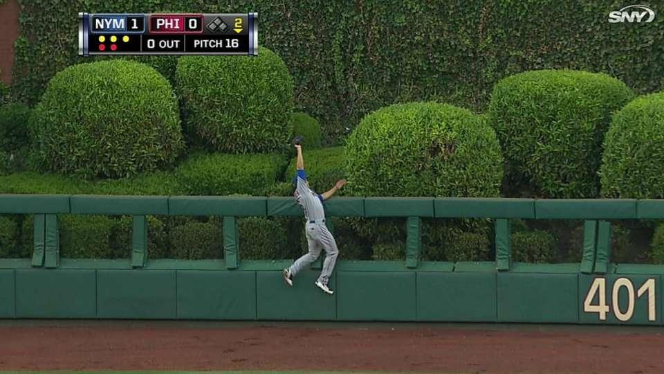 den Dekker robs a home run