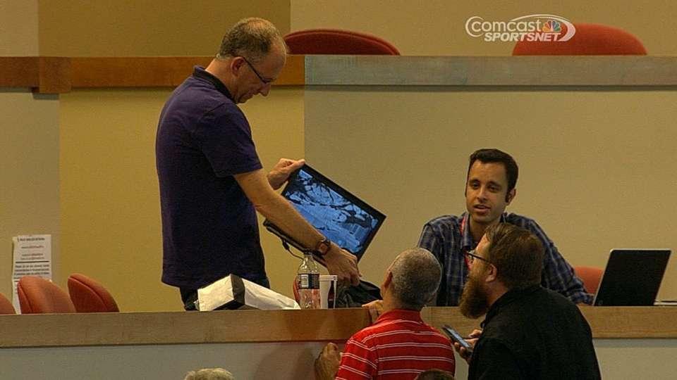 Panda breaks reporter's laptop