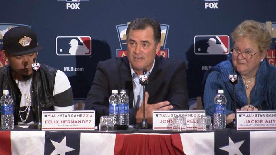 Farrell names Hernandez starter
