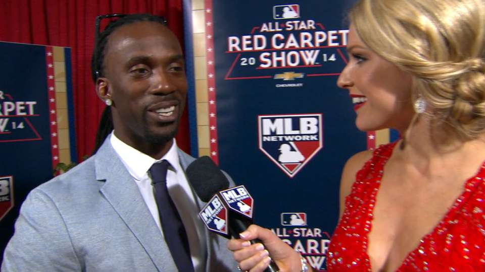 Cutch stops by Red Carpet Show