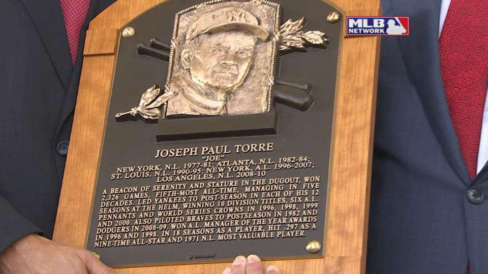 Selig reads Torre's plaque
