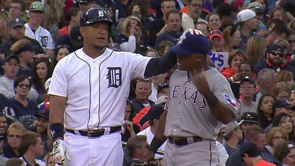 Teammates messing with Beltre