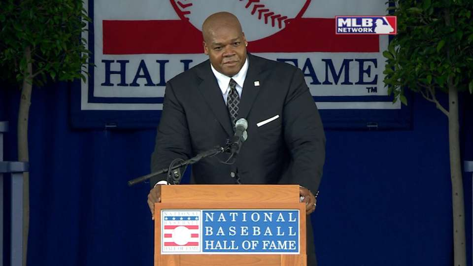 Thomas is inducted into HOF