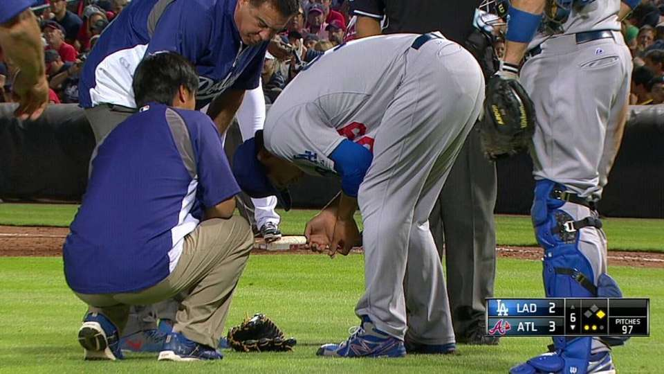 Ryu exits with injury