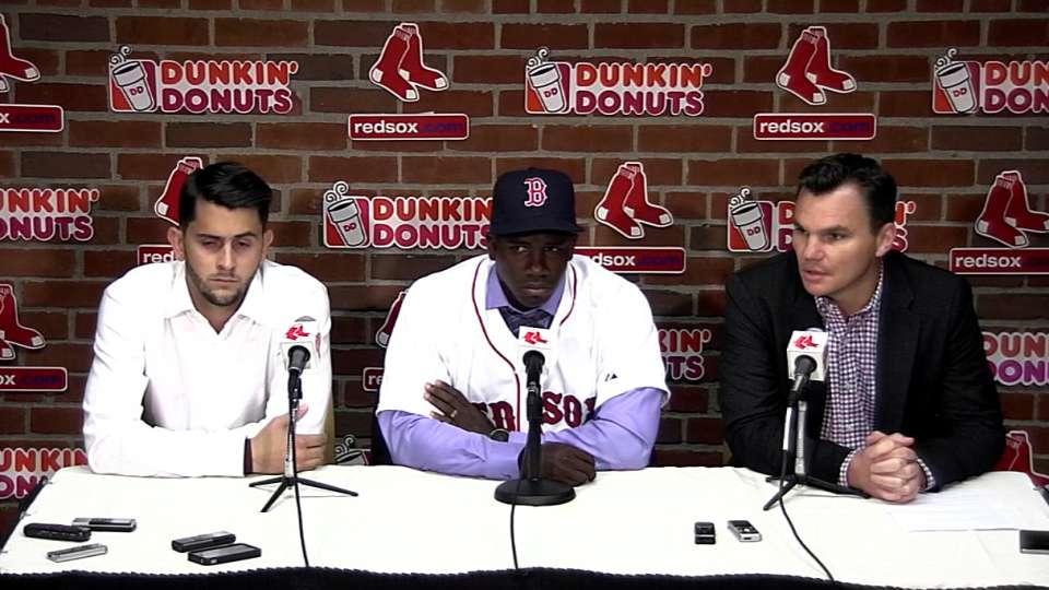 Boston presenta a Castillo