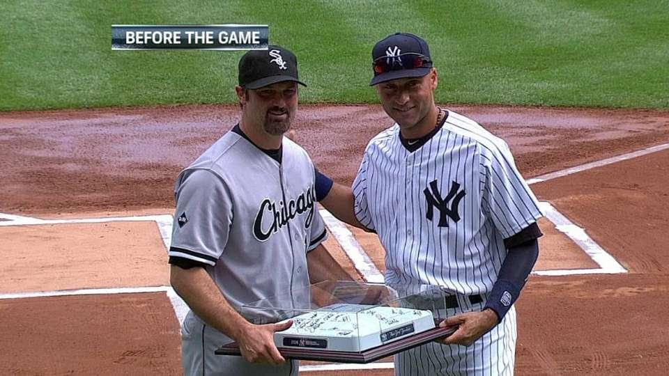 Konerko honored by Yankees