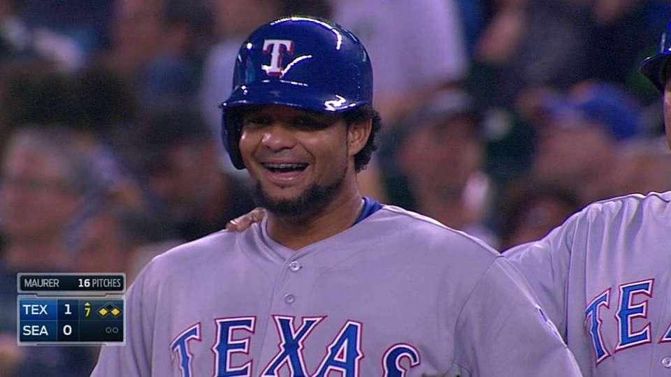 Telis' first big league hit