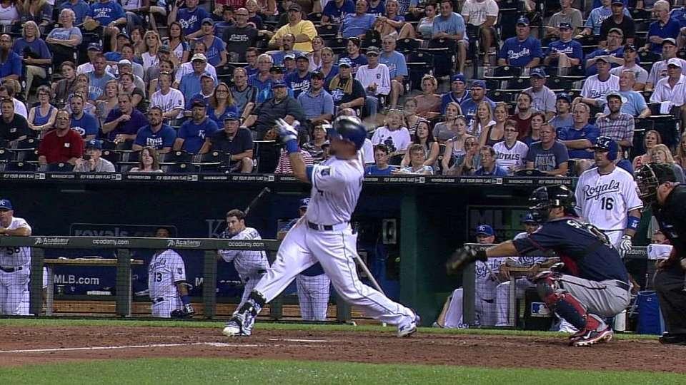 Gordon's walk-off two-run shot
