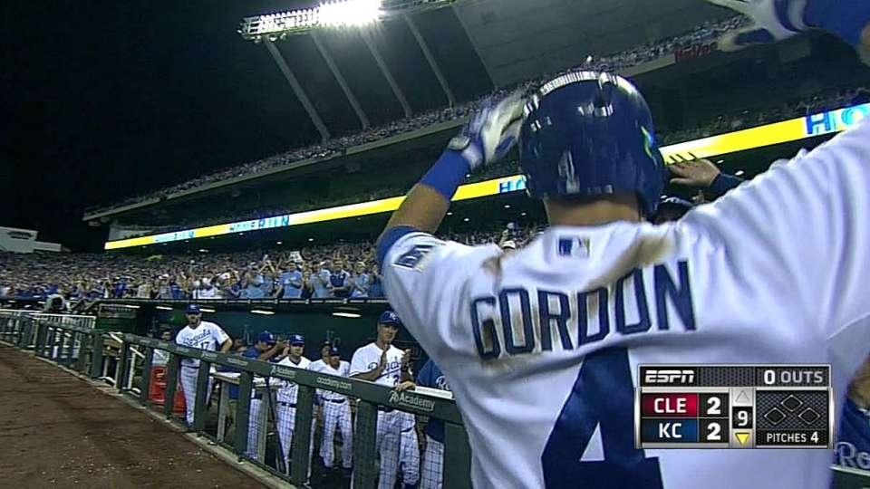 Gordon's game-tying homer