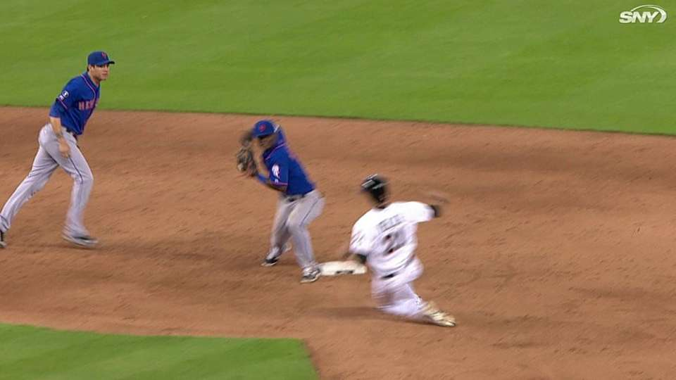 Mets turn two, escape jam