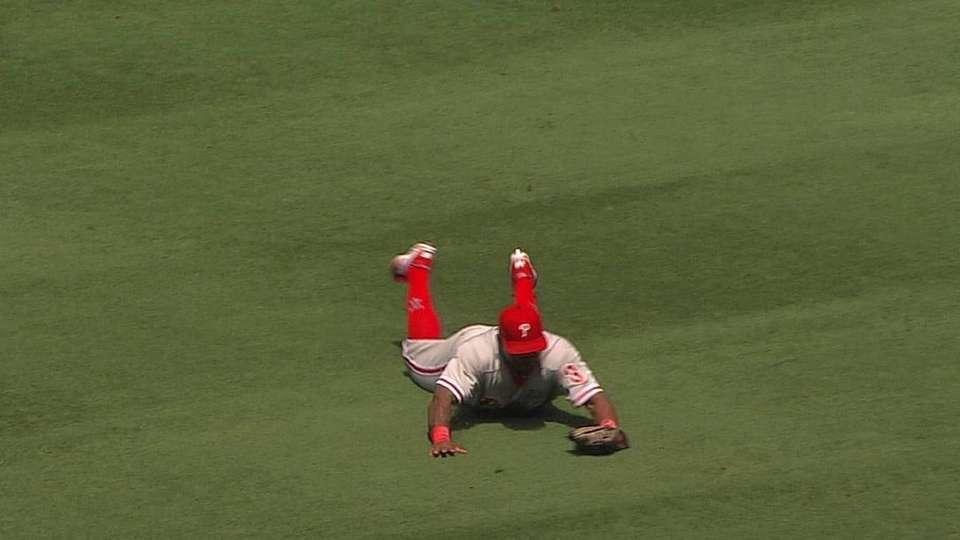 Byrd's diving grab