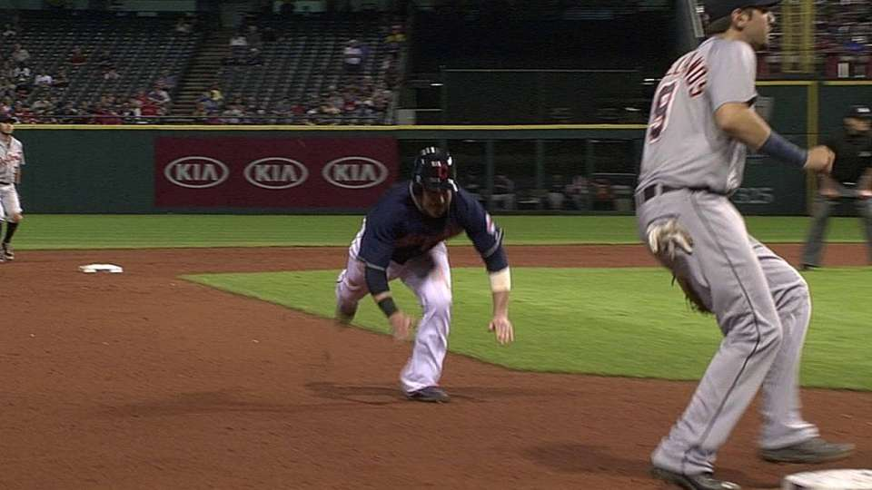 Kipnis steals third