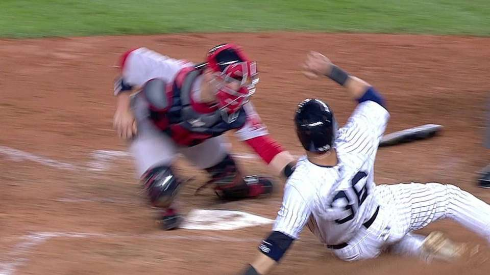 Nava throws out Beltran