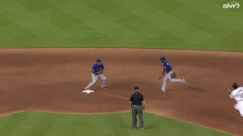 Mets turn two in 9th