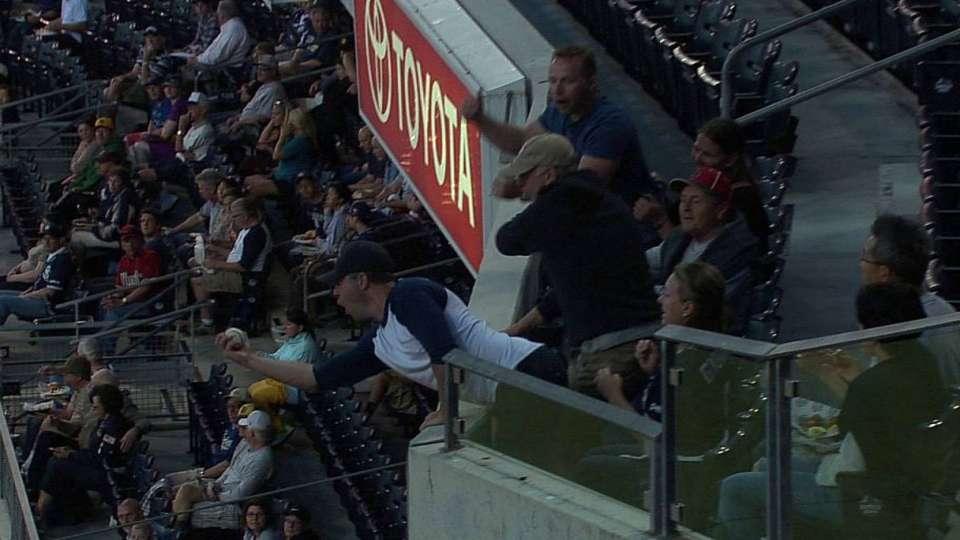 Fan's impressive foul catch