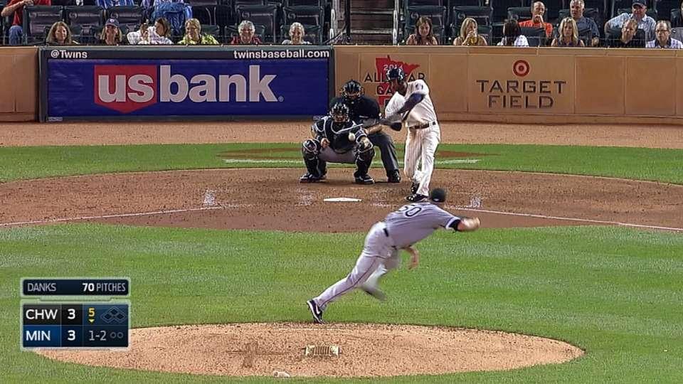 Nunez's four-hit game
