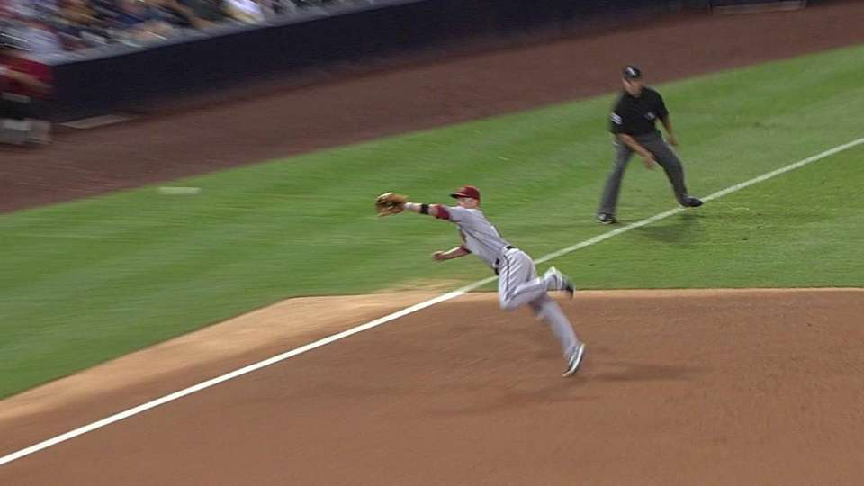 Hill's amazing diving catch