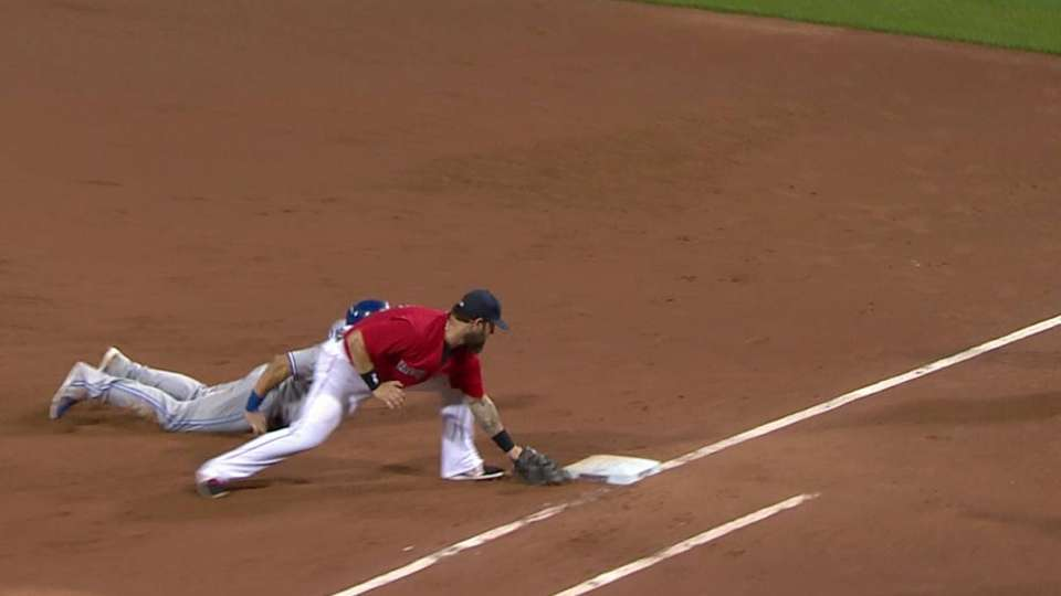 Vazquez picks off Melky