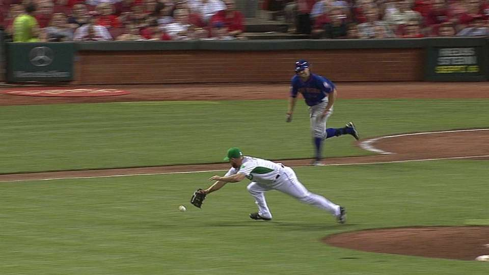 Dennick's diving play