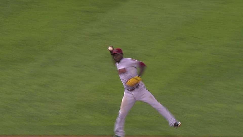 Gregorius' amazing throw