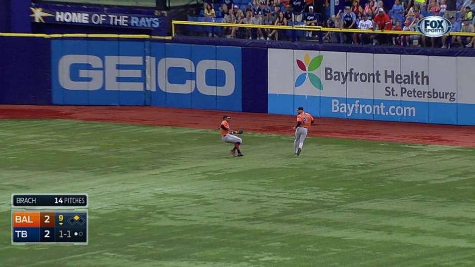 Jones' nice catch