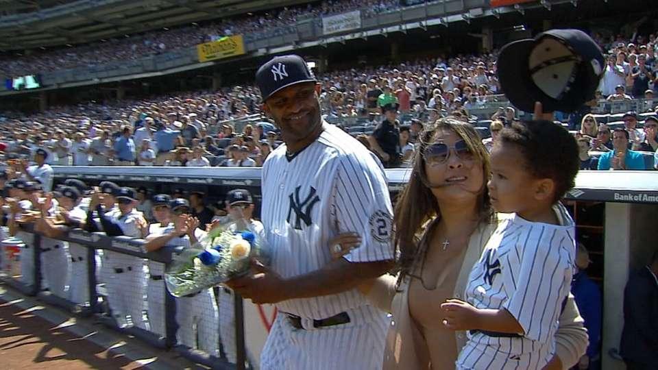 Jeter's nephew tips hat to crowd
