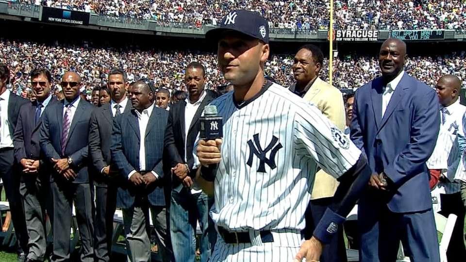 Jeter addresses Yankee crowd